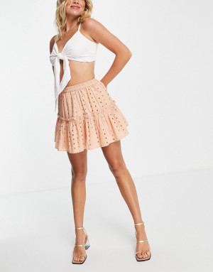 Серовато-бежевая ярусная мини-юбка с вышивкой ришелье ASOS DESIGN-Коричневый цвет