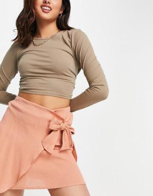 Терракотовая мини-юбка из жатого материала с запахом ASOS DESIGN-Оранжевый цвет